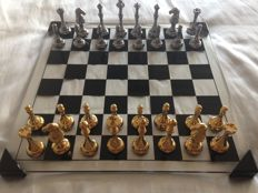Deluxe chess set in bronze and methacrylate