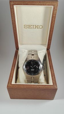 Seiko Arctura Kinetic Auto Relay – Men's watch – 2004