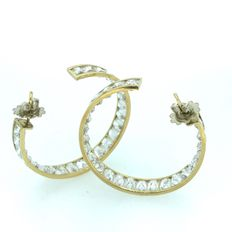 Gold (18 kt) hoop earrings with zirconia, 16.80 ct - No reserve price