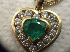 Necklace with pandentif , 18k gold , emerald and diamonds, signed Chini