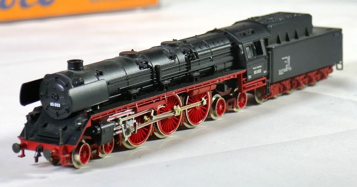 Arnold N - 2215 - Steam locomotive BR 05 from the Deutsche Bundesbahn