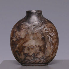 Nice hard stone snuff bottle with scene of a deer - China - first half 20th century
