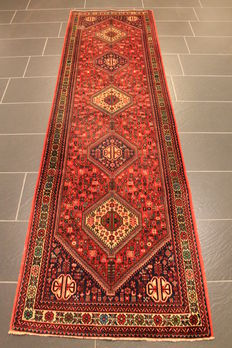 Persian carpet Bidjar runner, 82 x 290cm, made in Iran, middle of last century