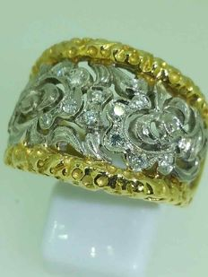 Ring in 2 golds and diamonds – ring width: 17 mm, size 62