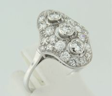 14 kt white gold princess ring set with 25 old Amsterdam cut diamonds of approx. 1.60 ct in total, ring size 18 (56)