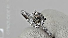 1.18 ct round diamond  ring made of 14 kt white gold  *** no reserve price ***