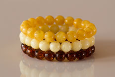 Set of 3 Baltic Amber bracelets, 31,65 gr, No Reserve