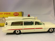 Dinky Toys - Schaal 1/43 - Superior Criterion Ambulance No.263