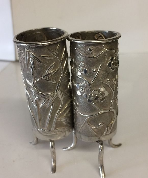 Chinese 2 Small Silver Posy Vases By Wang Hing 19th Cent Catawiki