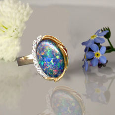 14 kt yellow / white gold ring with opal and 5 diamonds, 0.07 ct - ring size 58.5