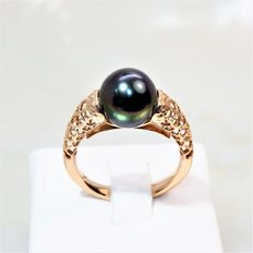 Design ring in 18 kt rose gold with plum-black pearl from Tahiti Ø 9.5 mm