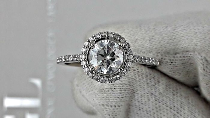 1.32 round diamond ring made of 14 kt white gold ***NO RESERVE PRICE***