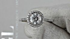 IGL 1.32 round diamond ring made of 14 kt white gold - size 8