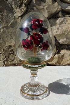 """House of Fabergé - Collection """"Crystal Flowers"""" - egg in thick crystal, enamel and gold plated finish - signed - 15 cm"""