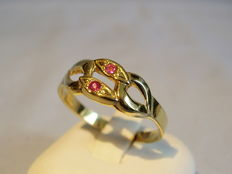 Antique natural ruby ring, 0.11 ct