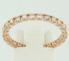 Rose gold full eternity ring of 14 kt set with brilliant cut diamonds of approx. 1.60 ct in total – No reserve price