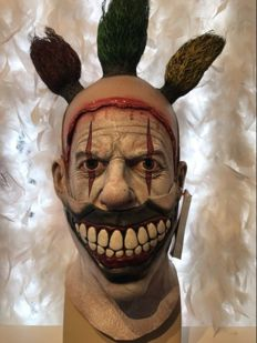 Rare collectors edition Deluxe American Horror Story Twisty the clown full head mask