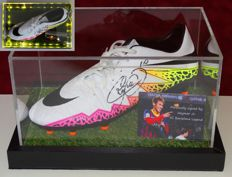 Neymar Jr. original autographed Nike Soccer shoe + Certificate of Authenticity from PSA