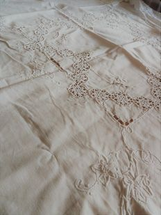 Old square tablecloth - white cotton with large embroidery pattern - handmade