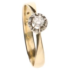 14 kt yellow gold solitaire ring with a 0.20 ct brilliant cut diamond in a chaton setting - ring size 18.5