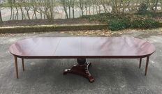 A Biedermeier mahogany extendable table - with 4 matching connecting pieces - the Netherlands - circa 1840
