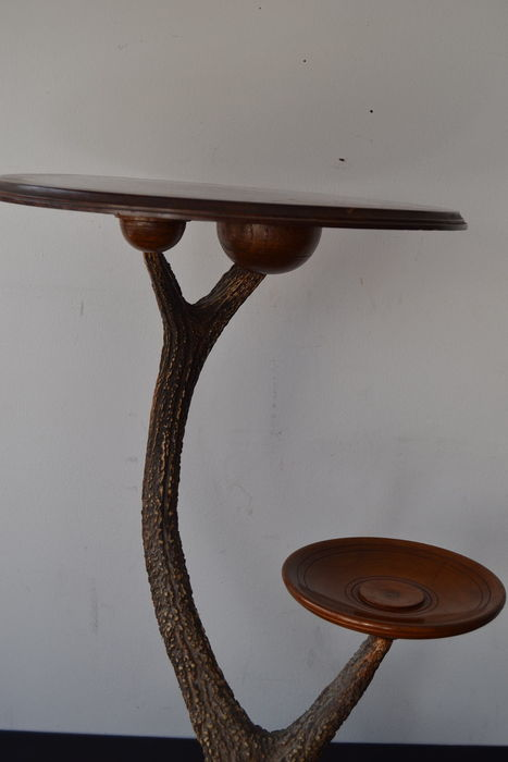 Table jamboree wood and horns africa catawiki for Nfpa 99 table 5 1 11