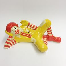 Very Collectibles 90's - McDonald's statue coin bank - Singapore