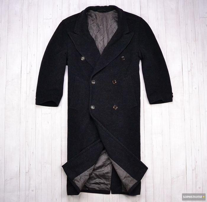 7d60d72c006c Hugo Boss Virgin Wool Doublebreasted Coat - Catawiki