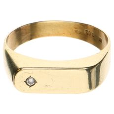 Yellow gold ring with a brilliant cut diamond of 0.02 ct - size 19