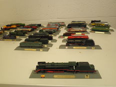 Del Prado N - 46 Trains, Stand Models