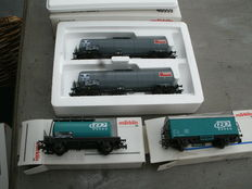 Märklin H0 -  46559/4415.812/4441.803 - set with two tank carriages NMBS