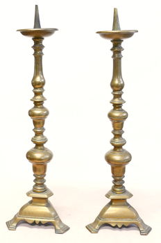 Pair of bronze candle holders - Italy - 17th century
