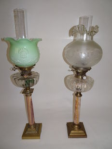Two oil lamps with burners Hiks & son's patent on bronze and onyx base. France - Late 19th century