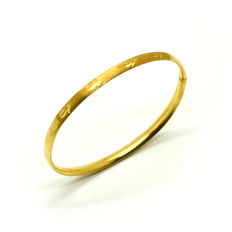Rigid bracelet in 18 kt gold with hidden clasp – 6 cm