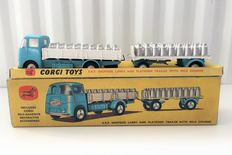 Corgi Major Toys - Schaal 1/48 - ERF Dropside Lorry and Platform Trailer with Milk Churns Gift Set 21