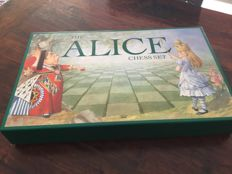 Chess set  Alice in Wonderland  with board-SAC