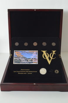 "The Netherlands, Dutch East Indies and Japan – Prestige set HNM 2009 ""400 years trade relations Netherlands-Japan VOC"" (14
