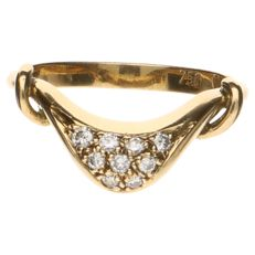 Yellow gold ring of 18 kt set with 9 brilliant cut diamonds of approx. 0.09 ct in total
