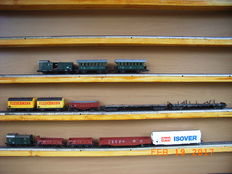 Fleischmann H0 - Lot of passenger & freight carriages, mostly of the DB