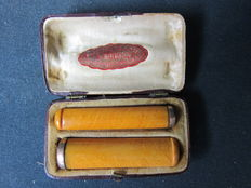 2 amber cigarette pipes - ca 1900.
