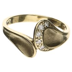 14 kt yellow gold ring with 5 brilliant cut diamonds, 0.05 ct in total