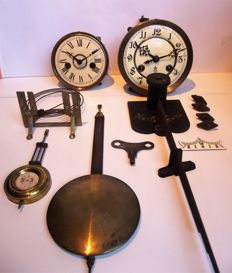 Lot of GUSTAV BECKER gold medal and other pendulum clock mechanisms - Period: 1900/1920