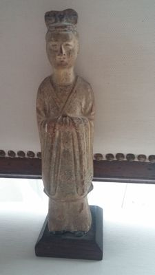 Figural representation from the Tang dynasty, China around 817 with TL analysis