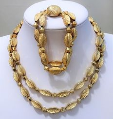 Signed CORO PEGASUS - Demi Parure - Gold Tone Metal Beaded 2 row necklace & bracelet -  1945