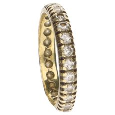 14 kt yellow gold eternity ring set with 26 brilliant cut diamonds, a total of 1.04 ct