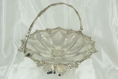 Antique silver plated fruit basket, silversmith George Richmond Collis &Co, circa 1850, UK