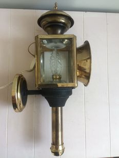 Carriage lantern for the home