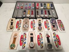 27 stuks vintage Cartoon horloges - Disney - Looney Tunes - Space Jam - Snoopy - Muppets / vertegenwoordigerspakket