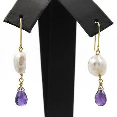 Yellow gold earrings with amethysts and baroque freshwater pearls