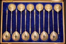 A Cased Set of Twelve Russian Silver-Gilt Spoons, Moscow 1893, Nikolay Alekseyev